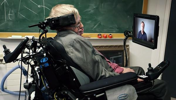 Stephen Hawking krijgt een nieuwe stem