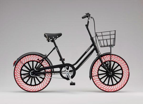 Over een paar jaar fiets je op banden zonder lucht