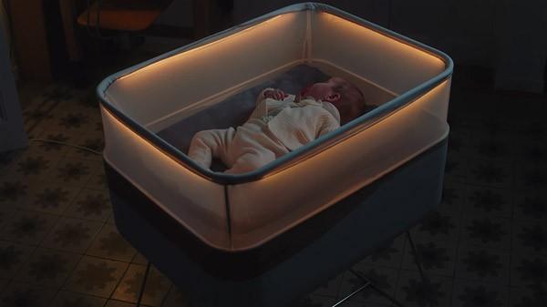 Ford heeft een babybedje ontwikkeld dat beweegt als een auto