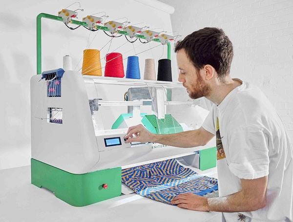 Kniterate: een machine die kleding voor je breit