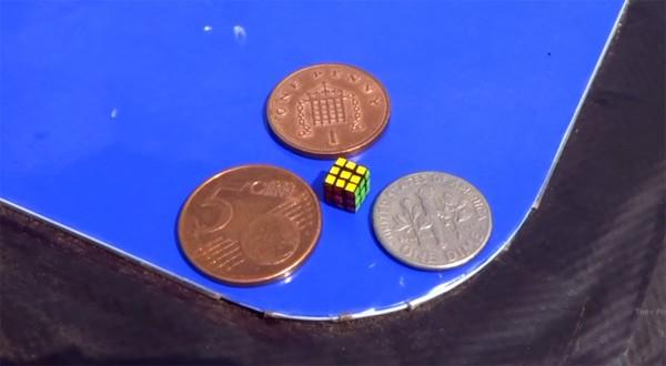 Dit is de kleinste werkende Rubiks' Cube ter wereld