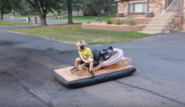 Vader bouwt eigenhandig een hovercraft voor zijn zoon