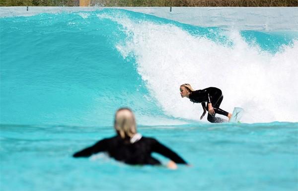 Wavegarden Cove surfpark biedt 1000 golven per uur