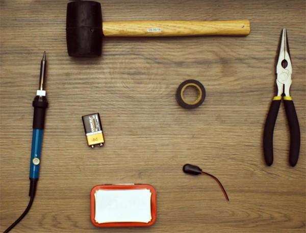 Zo bouw je zelf een externe accu voor je smartphone