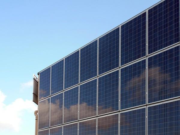 Dubai werkt aan het grootste zonne-energiepark ter wereld