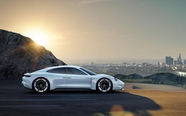 De Porsche Mission E belooft een prima concurrent van Tesla te worden