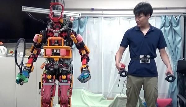 robot-htc-vive-tokyo