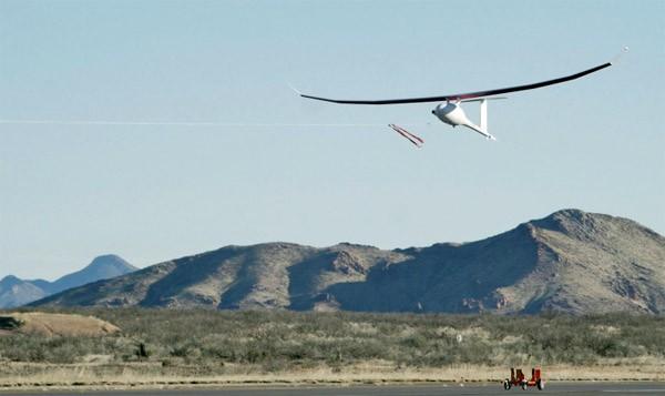 VA001: een vliegtuigje dat honderden uren in de lucht blijft