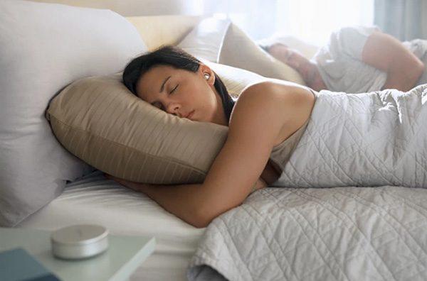 Oordopjes van Bose zorgen voor een betere nachtrust