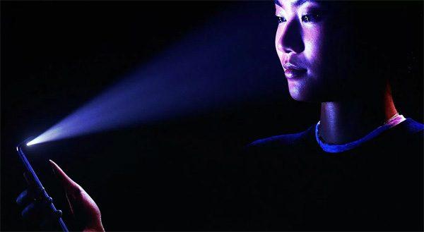 Zo fop je de gezichtsherkenning van de nieuwe iPhone X