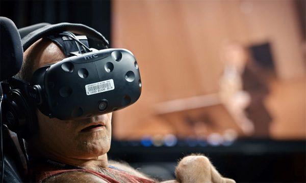 Verlamde musicalstudent ervaart Burning Man in VR