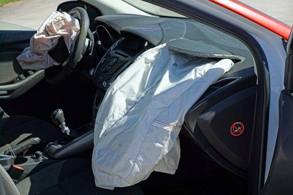 Dit gebeurt er in het binnenste van een airbag