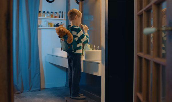 Deze tandenborstel laat kinderen poetsen met augmented reality