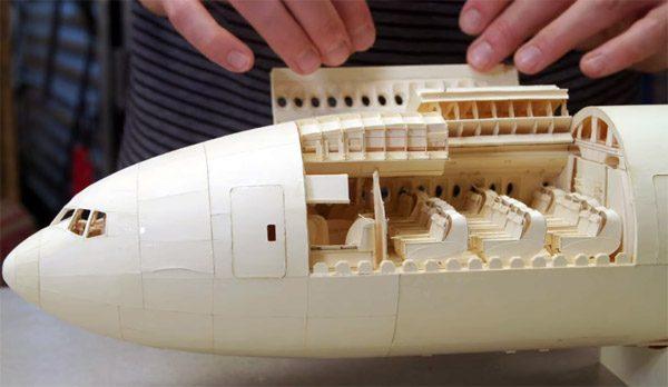 Dit is het meest gedetailleerde papieren vliegtuig ooit