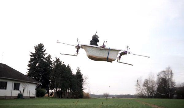Enthousiaste YouTubers bouwen een vliegend bad