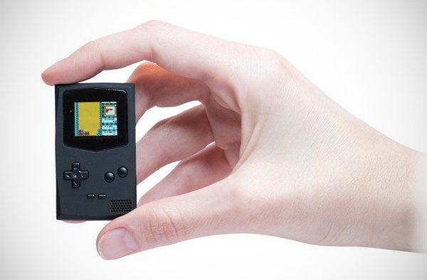 Er is nu een minuscule Game Boy voor aan je sleutelhanger