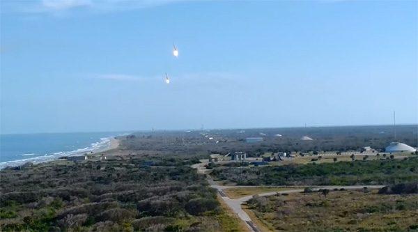 De indrukwekkende simultane landing van de raketboosters van SpaceX
