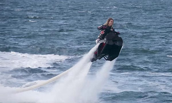 Flyride: een jetski met zweefmogelijkheden