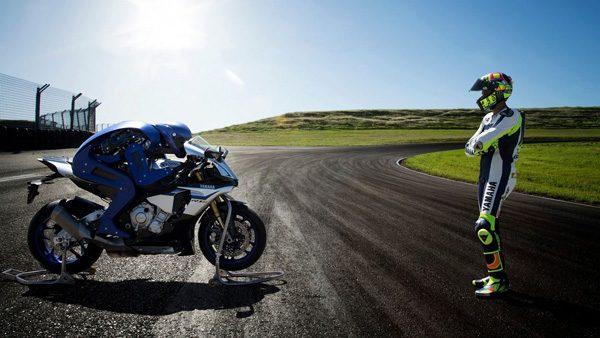 Yamaha Motobot: een motor die rijdt zonder bestuurder