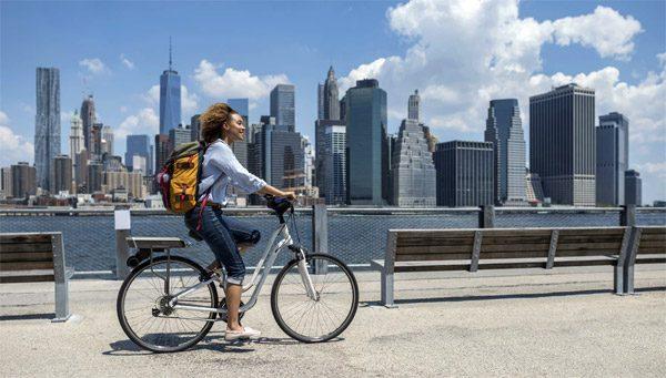Maak je fiets elektrisch met deze kit voor op je bagagedrager