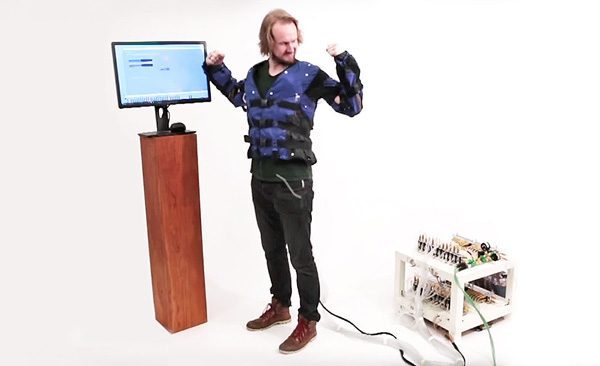 Force Jacket: een opblaasbare jas die VR-feedback geeft