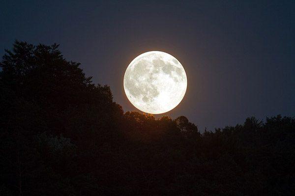 NASA biedt ons een uitgebreide blik op de maan in 4K