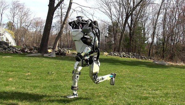 De nieuwe indrukwekkende kunstjes van de robots van Boston Dynamics