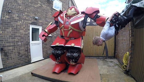 Colin Furze heeft een enorme Hulkbuster gebouwd