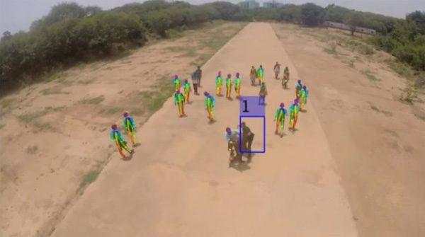 Met drones en AI kunnen hooligans worden aangepakt