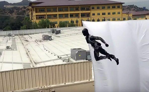 De robotstuntman van Disney kan ontzagwekkende trucs