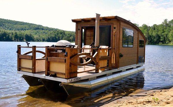 Le Koroc: een kleine woonboot om van te houden