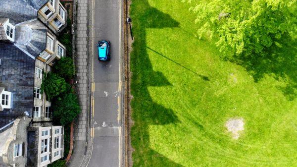 Dankzij machine learning kan een auto in twintig minuten leren rijden