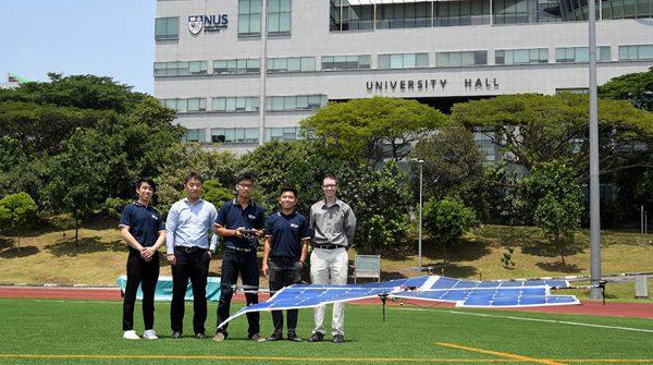 Dankzij zonnepanelen kan deze drone uren in de lucht blijven