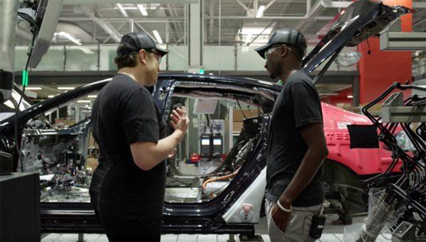 Marques Brownlee krijgt een uitgebreide Tesla-tour van Elon Musk