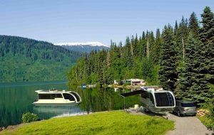 Caravanboat: een caravan waarmee je ook het water op kunt