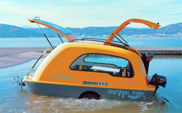 MiniBig: een aanhangwagen waarin je met zijn drieën op het water kunt slapen