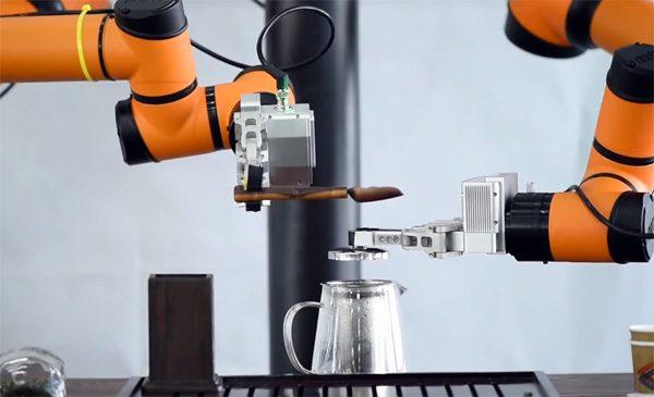 Voortaan kunnen robots ook een kopje thee voor je zetten