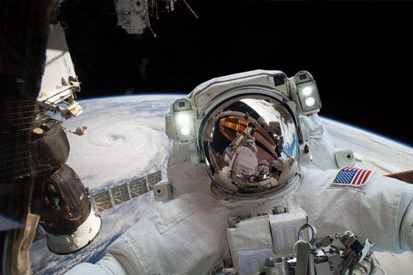 Deze toffe video brengt de historie en toekomst van NASA in beeld