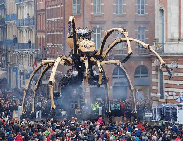 Theatercollectief ontwikkelt gigantische steampunk spin
