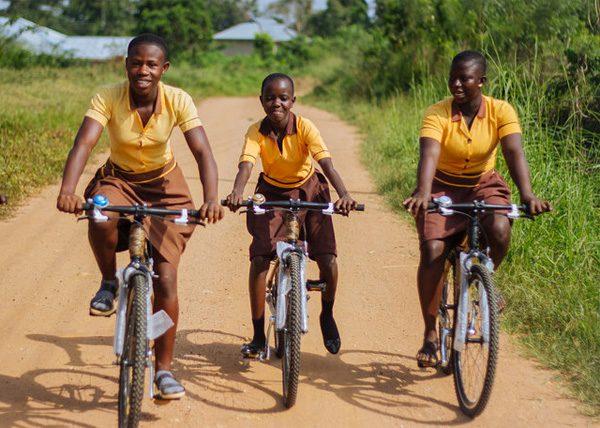Hoe fietsen van bamboe deze Ghanese gemeenschap verder helpen