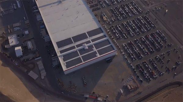 Een interessante blik op de Gigafactory van Tesla