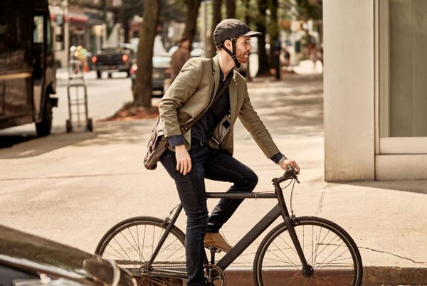 Innovatieve opvouwbare fietshelm haalt via crowdfunding meer dan een miljoen op