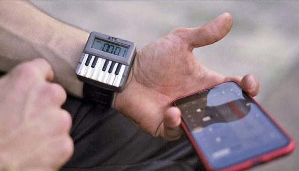 Synthwatch: een synthesizer voor om je pols