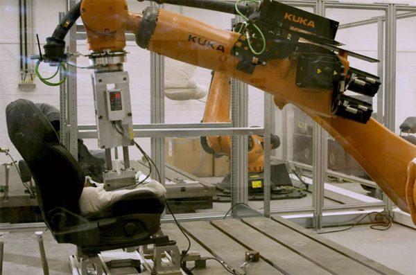 Ford maakt sinds kort gebruik van een natte robotkont