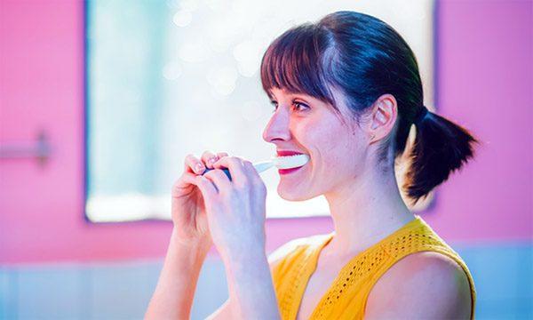 Y-Brush: poets je tanden voortaan in tien seconden