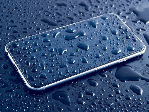 Wat betekent het dat jouw smartphone waterafstotend is?