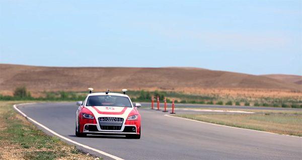 Dankzij kunstmatige intelligentie racen deze auto's al bijna beter dan mensen