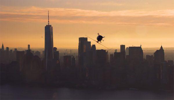 Mooie video van Red Bull toont indrukwekkende helikopterstunts