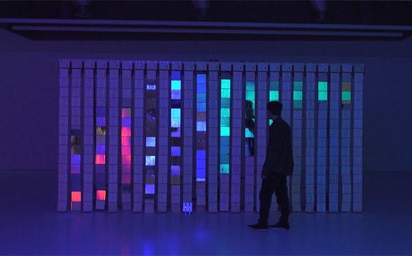 De Jakobsladder als lichtgevende kunstinstallatie
