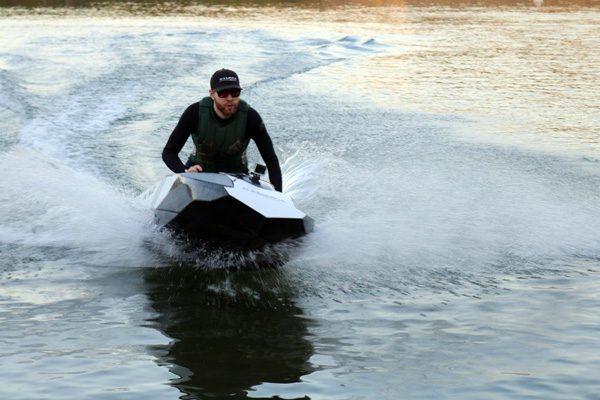 K-X2: een piepklein elektrisch bootje voor één persoon